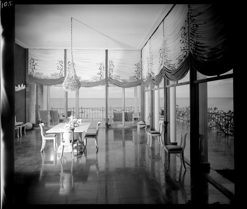 The dining room at Shangri La, 1947. Maynard L. Parker, photographer. Courtesy of the Huntington Library, San Marino, California.